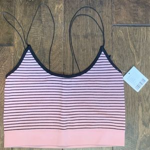 ✨NWT✨ Out from Under Markie Seamless Cropped Cami